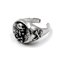 Solid Silver Chevalier Ring with Skull Engraved