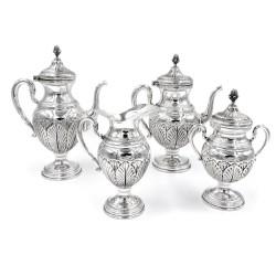 Servizio da Caffè in Argento 800 Stile Impero con fine cesello foglie